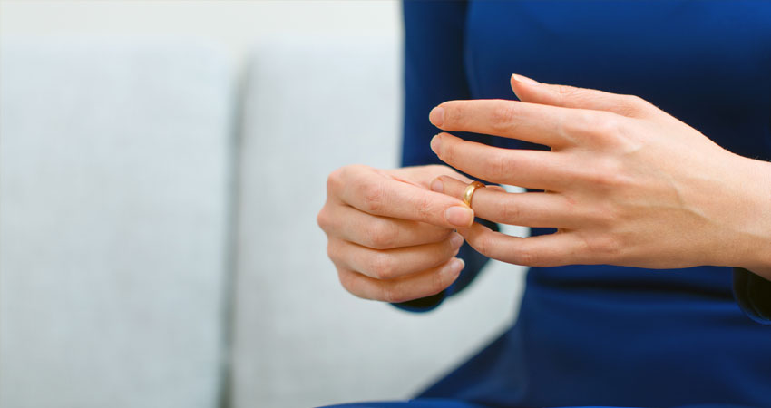 Divorț în lipsa unuia dintre soți